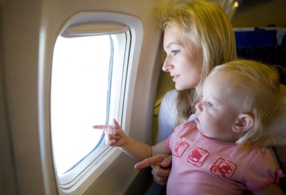 Latanie z dzieckiem – planujemy podróż samolotem