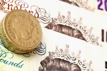 Najwyższy kurs funta od 10 lat! Zestawienie najpopularniejszych operatorów przekazów pieniężnych z UK do Polski